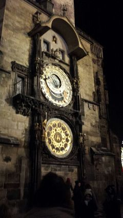 astronomicalclock oldtownsqeare prague