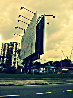 hdr billboard road