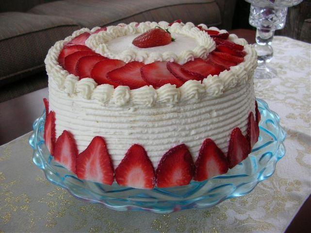 Клубничный торт.фото