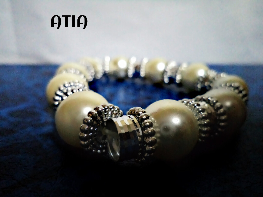 A very simple pic :) one of my favrt bracelets !! :) ^^