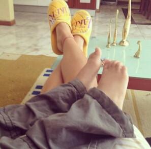 Descansando con Poncho. Chillin with Poncho.